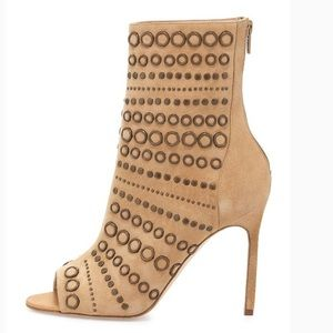 NEW Manolo Blahnik  Suede ankle boot, Camel